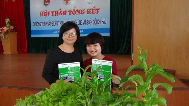 ACCCRN partners in Da Nang city appreciated the efficiency and beauty of hydroponic vegetable models initiated by AYIP youth
