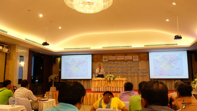 Mr. Ky Quang Vinh – Director of Can Tho Climate Change Coordination Office (CCCO) sharing Can Tho's experience at the workshop. Also attending the event were representatives from Binh Dinh and Da Nang CCCOs