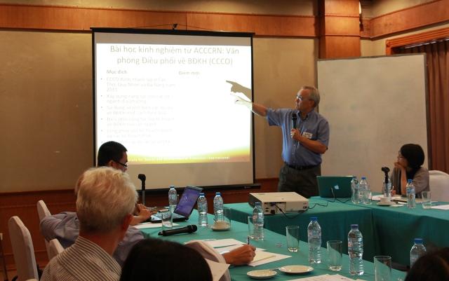 TS. Stephen Tyler chia sẻ bài học từ dự án Văn phòng điều phối về BĐKH
