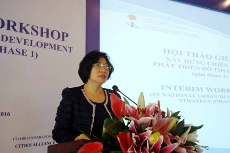 Deputy Minister of Construction, Phan Thi My Linh, delivered a speech at the workshop